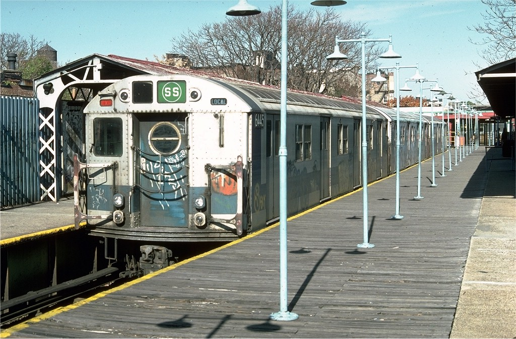 (258k, 1024x673)<br><b>Country:</b> United States<br><b>City:</b> New York<br><b>System:</b> New York City Transit<br><b>Line:</b> BMT Franklin<br><b>Location:</b> Franklin Avenue <br><b>Route:</b> Franklin Shuttle<br><b>Car:</b> R-16 (American Car & Foundry, 1955) 6445 <br><b>Photo by:</b> Doug Grotjahn<br><b>Collection of:</b> Joe Testagrose<br><b>Date:</b> 11/2/1976<br><b>Viewed (this week/total):</b> 2 / 4721