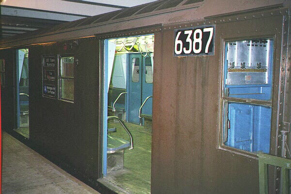 (105k, 600x400)<br><b>Country:</b> United States<br><b>City:</b> New York<br><b>System:</b> New York City Transit<br><b>Location:</b> New York Transit Museum<br><b>Car:</b> R-16 (American Car & Foundry, 1955) 6387 <br><b>Photo by:</b> Sidney Keyles<br><b>Date:</b> 5/23/1999<br><b>Viewed (this week/total):</b> 2 / 9455