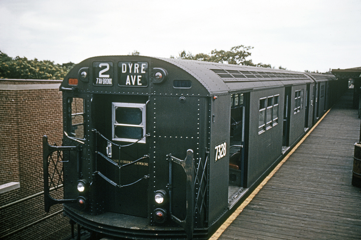 (288k, 1044x699)<br><b>Country:</b> United States<br><b>City:</b> New York<br><b>System:</b> New York City Transit<br><b>Line:</b> IRT Brooklyn Line<br><b>Location:</b> New Lots Avenue <br><b>Route:</b> 2<br><b>Car:</b> R-22 (St. Louis, 1957-58) 7328 <br><b>Collection of:</b> David Pirmann<br><b>Date:</b> 11/1964<br><b>Viewed (this week/total):</b> 1 / 6927