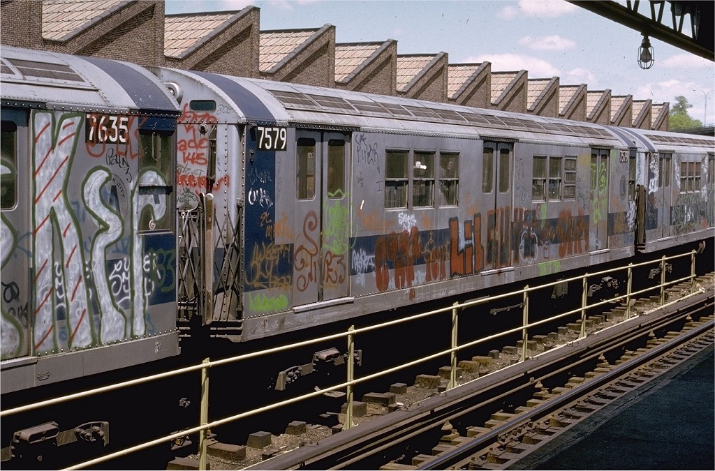 (254k, 1024x675)<br><b>Country:</b> United States<br><b>City:</b> New York<br><b>System:</b> New York City Transit<br><b>Location:</b> East 180th Street Yard<br><b>Car:</b> R-22 (St. Louis, 1957-58) 7579 <br><b>Photo by:</b> Joe Testagrose<br><b>Date:</b> 5/6/1973<br><b>Viewed (this week/total):</b> 0 / 3013