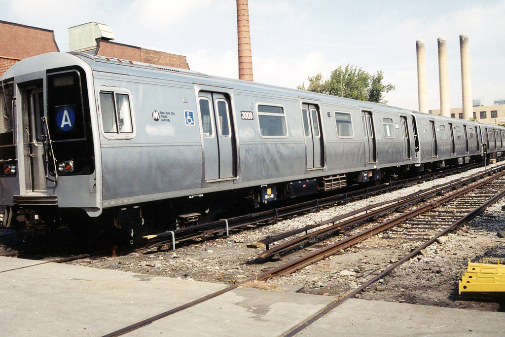 (358k, 1044x679)<br><b>Country:</b> United States<br><b>City:</b> New York<br><b>System:</b> New York City Transit<br><b>Location:</b> 207th Street Yard<br><b>Car:</b> R-110B (Bombardier, 1992) 3009 <br><b>Photo by:</b> Paul Polischuk<br><b>Date:</b> 9/9/2001<br><b>Viewed (this week/total):</b> 0 / 15640
