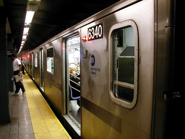 (77k, 600x450)<br><b>Country:</b> United States<br><b>City:</b> New York<br><b>System:</b> New York City Transit<br><b>Line:</b> IRT East Side Line<br><b>Location:</b> 14th Street/Union Square <br><b>Route:</b> 6<br><b>Car:</b> R-142 (Primary Order, Bombardier, 1999-2002)  6340 <br><b>Photo by:</b> Trevor Logan<br><b>Date:</b> 7/2001<br><b>Viewed (this week/total):</b> 18 / 5070