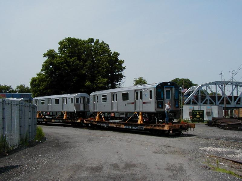(64k, 800x600)<br><b>Country:</b> United States<br><b>City:</b> New York<br><b>System:</b> New York City Transit<br><b>Location:</b> LIRR/NY & Atlantic RR Fresh Pond Yard <br><b>Car:</b> R-142 (Primary Order, Bombardier, 1999-2002)  6515 <br><b>Photo by:</b> Doug Diamond<br><b>Date:</b> 7/2001<br><b>Viewed (this week/total):</b> 0 / 5101