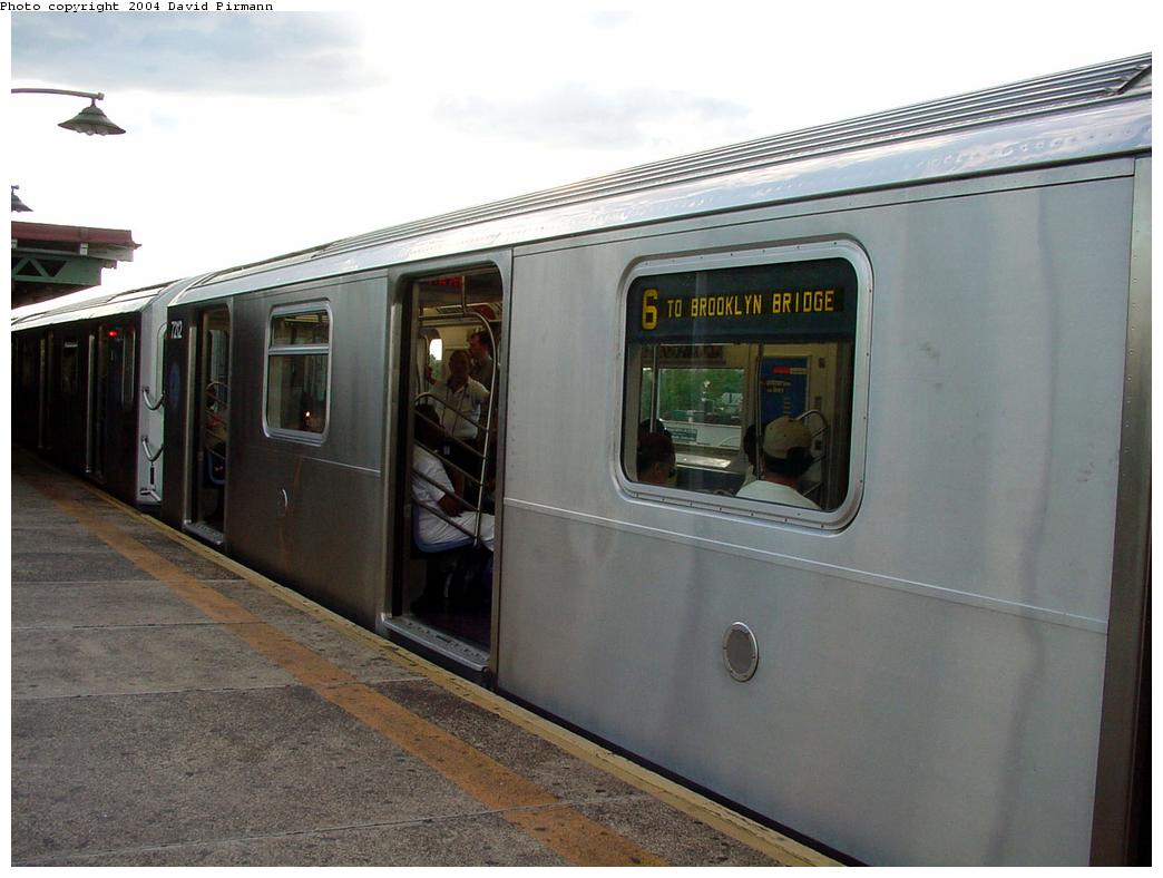 (103k, 1044x788)<br><b>Country:</b> United States<br><b>City:</b> New York<br><b>System:</b> New York City Transit<br><b>Line:</b> IRT Pelham Line<br><b>Location:</b> East 177th Street/Parkchester <br><b>Route:</b> 6<br><b>Car:</b> R-142A (Primary Order, Kawasaki, 1999-2002)  7212 <br><b>Photo by:</b> David Pirmann<br><b>Date:</b> 7/11/2000<br><b>Viewed (this week/total):</b> 0 / 4876