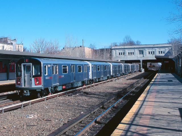 (59k, 640x480)<br><b>Country:</b> United States<br><b>City:</b> New York<br><b>System:</b> New York City Transit<br><b>Line:</b> IRT Dyre Ave. Line<br><b>Location:</b> Gun Hill Road <br><b>Car:</b> R-142A (Primary Order, Kawasaki, 1999-2002)  7215 <br><b>Photo by:</b> Chao-Hwa Chen<br><b>Date:</b> 3/6/2000<br><b>Viewed (this week/total):</b> 0 / 4244