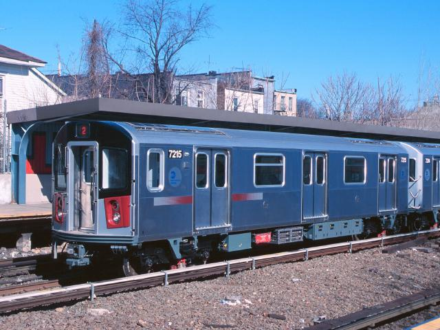 (64k, 640x480)<br><b>Country:</b> United States<br><b>City:</b> New York<br><b>System:</b> New York City Transit<br><b>Line:</b> IRT Dyre Ave. Line<br><b>Location:</b> Gun Hill Road <br><b>Car:</b> R-142A (Primary Order, Kawasaki, 1999-2002)  7215 <br><b>Photo by:</b> Chao-Hwa Chen<br><b>Date:</b> 3/6/2000<br><b>Viewed (this week/total):</b> 1 / 17196