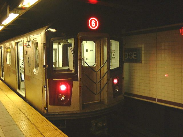 (60k, 640x480)<br><b>Country:</b> United States<br><b>City:</b> New York<br><b>System:</b> New York City Transit<br><b>Line:</b> IRT East Side Line<br><b>Location:</b> Brooklyn Bridge/City Hall <br><b>Route:</b> 6<br><b>Car:</b> R-142A (Primary Order, Kawasaki, 1999-2002)  7220 <br><b>Photo by:</b> Trevor Logan<br><b>Date:</b> 2001<br><b>Viewed (this week/total):</b> 3 / 4699