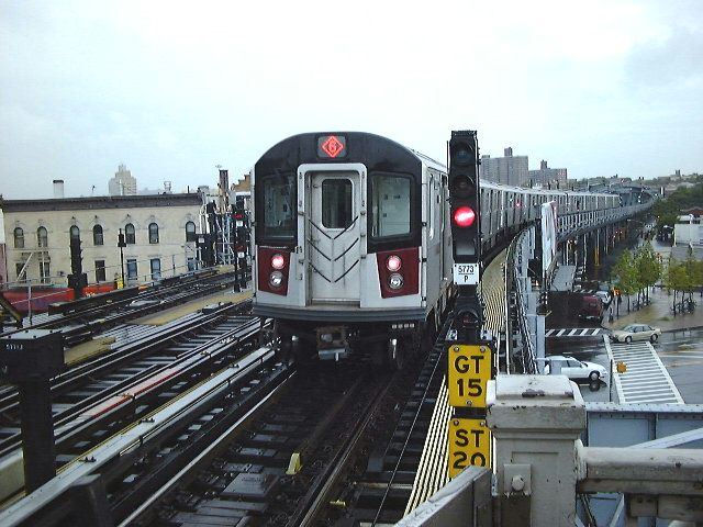 (80k, 640x480)<br><b>Country:</b> United States<br><b>City:</b> New York<br><b>System:</b> New York City Transit<br><b>Line:</b> IRT Pelham Line<br><b>Location:</b> Westchester Square <br><b>Route:</b> 6<br><b>Car:</b> R-142A (Primary Order, Kawasaki, 1999-2002)  7220 <br><b>Photo by:</b> Trevor Logan<br><b>Date:</b> 2000<br><b>Viewed (this week/total):</b> 0 / 4411
