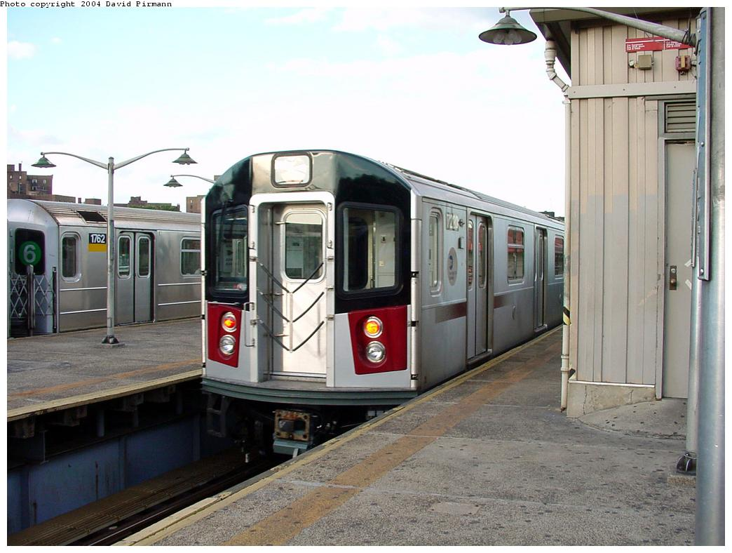 (123k, 1044x788)<br><b>Country:</b> United States<br><b>City:</b> New York<br><b>System:</b> New York City Transit<br><b>Line:</b> IRT Pelham Line<br><b>Location:</b> East 177th Street/Parkchester <br><b>Route:</b> 6<br><b>Car:</b> R-142A (Primary Order, Kawasaki, 1999-2002)  7220 <br><b>Photo by:</b> David Pirmann<br><b>Date:</b> 7/11/2000<br><b>Viewed (this week/total):</b> 3 / 5483