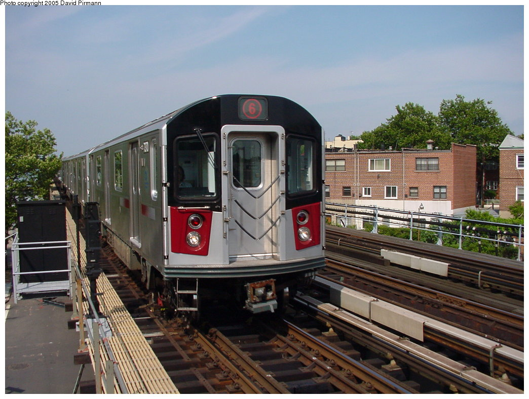 (188k, 1044x788)<br><b>Country:</b> United States<br><b>City:</b> New York<br><b>System:</b> New York City Transit<br><b>Line:</b> IRT Pelham Line<br><b>Location:</b> Middletown Road <br><b>Route:</b> 6<br><b>Car:</b> R-142A (Primary Order, Kawasaki, 1999-2002)  7370 <br><b>Photo by:</b> David Pirmann<br><b>Date:</b> 7/4/2001<br><b>Viewed (this week/total):</b> 0 / 3142