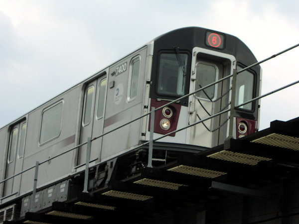 (52k, 600x450)<br><b>Country:</b> United States<br><b>City:</b> New York<br><b>System:</b> New York City Transit<br><b>Location:</b> Westchester Avenue El<br><b>Route:</b> 6<br><b>Car:</b> R-142A (Primary Order, Kawasaki, 1999-2002)  7400 <br><b>Photo by:</b> Trevor Logan<br><b>Date:</b> 7/17/2001<br><b>Viewed (this week/total):</b> 0 / 3303