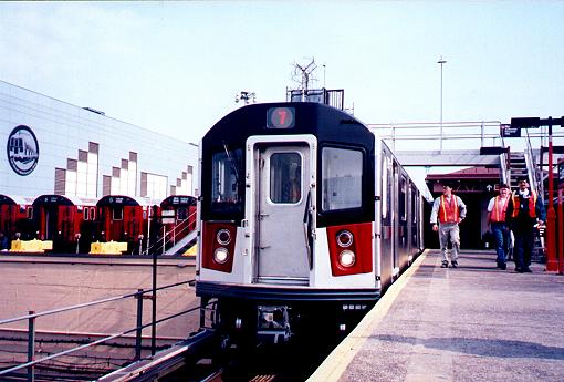 (38k, 510x345)<br><b>Country:</b> United States<br><b>City:</b> New York<br><b>System:</b> New York City Transit<br><b>Line:</b> IRT White Plains Road Line<br><b>Location:</b> East 180th Street <br><b>Car:</b> R-142A (Primary Order, Kawasaki, 1999-2002)  7215 <br><b>Photo by:</b> Trevor Logan<br><b>Date:</b> 3/9/2000<br><b>Viewed (this week/total):</b> 4 / 4941