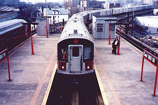 (50k, 511x342)<br><b>Country:</b> United States<br><b>City:</b> New York<br><b>System:</b> New York City Transit<br><b>Line:</b> IRT White Plains Road Line<br><b>Location:</b> East 180th Street <br><b>Car:</b> R-142A (Primary Order, Kawasaki, 1999-2002)  7220 <br><b>Photo by:</b> Trevor Logan<br><b>Date:</b> 3/9/2000<br><b>Viewed (this week/total):</b> 3 / 5918