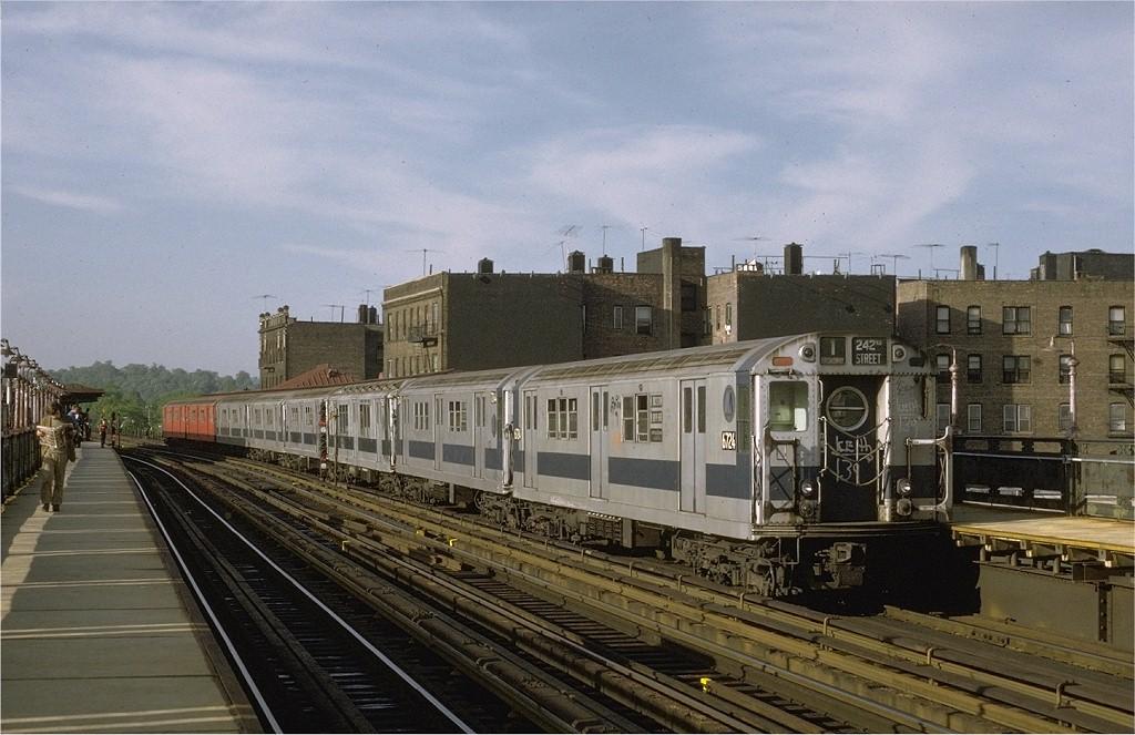 (193k, 1024x663)<br><b>Country:</b> United States<br><b>City:</b> New York<br><b>System:</b> New York City Transit<br><b>Line:</b> IRT West Side Line<br><b>Location:</b> 238th Street <br><b>Route:</b> 1<br><b>Car:</b> R-17 (St. Louis, 1955-56) 6724 <br><b>Photo by:</b> Joe Testagrose<br><b>Date:</b> 5/21/1972<br><b>Viewed (this week/total):</b> 0 / 2255