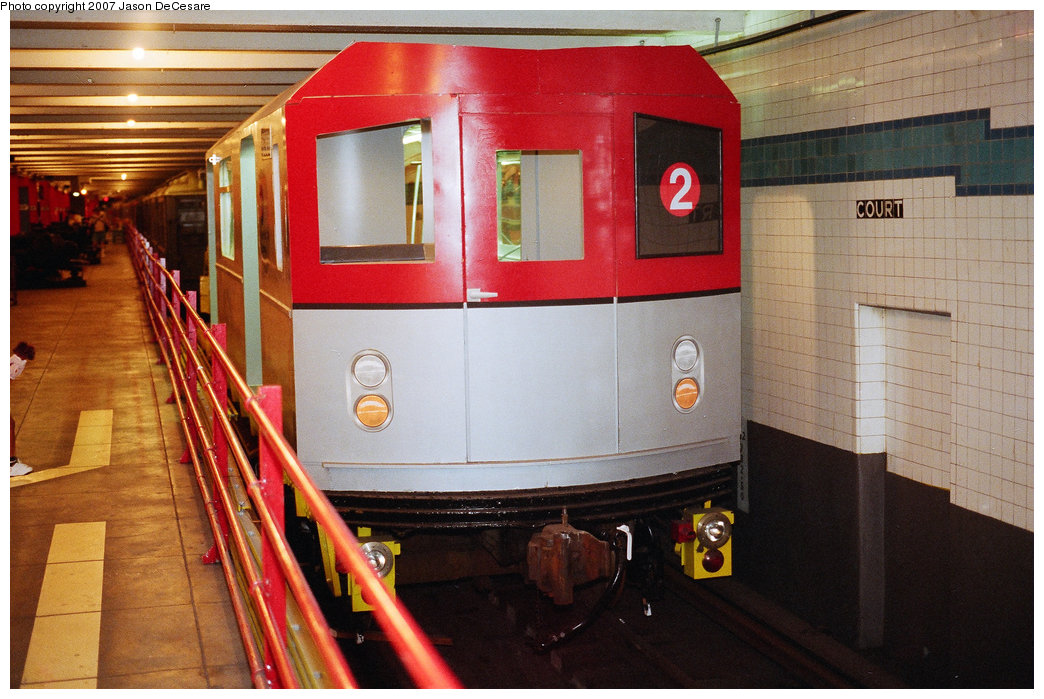 (196k, 1044x699)<br><b>Country:</b> United States<br><b>City:</b> New York<br><b>System:</b> New York City Transit<br><b>Location:</b> New York Transit Museum<br><b>Car:</b> R-142 or R-142A (Number Unknown) Mockup <br><b>Photo by:</b> Jason R. DeCesare<br><b>Date:</b> 7/11/1998<br><b>Notes:</b> Head view<br><b>Viewed (this week/total):</b> 1 / 16579