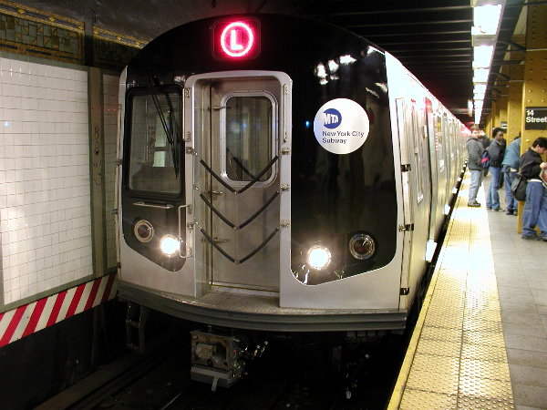 (80k, 600x450)<br><b>Country:</b> United States<br><b>City:</b> New York<br><b>System:</b> New York City Transit<br><b>Line:</b> BMT Canarsie Line<br><b>Location:</b> Union Square <br><b>Route:</b> L<br><b>Car:</b> R-143 (Kawasaki, 2001-2002) 8101 <br><b>Photo by:</b> Trevor Logan<br><b>Date:</b> 12/4/2001<br><b>Viewed (this week/total):</b> 5 / 6111