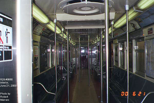 (72k, 600x400)<br><b>Country:</b> United States<br><b>City:</b> New York<br><b>System:</b> New York City Transit<br><b>Car:</b> R-29 (St. Louis, 1962) 8660 <br><b>Photo by:</b> Robert Marrero<br><b>Date:</b> 6/21/2000<br><b>Viewed (this week/total):</b> 6 / 9254