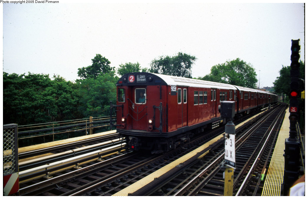 (201k, 1044x676)<br><b>Country:</b> United States<br><b>City:</b> New York<br><b>System:</b> New York City Transit<br><b>Line:</b> IRT White Plains Road Line<br><b>Location:</b> Bronx Park East <br><b>Car:</b> R-33 Main Line (St. Louis, 1962-63) 9058 <br><b>Photo by:</b> David Pirmann<br><b>Date:</b> 7/21/1999<br><b>Viewed (this week/total):</b> 2 / 5504