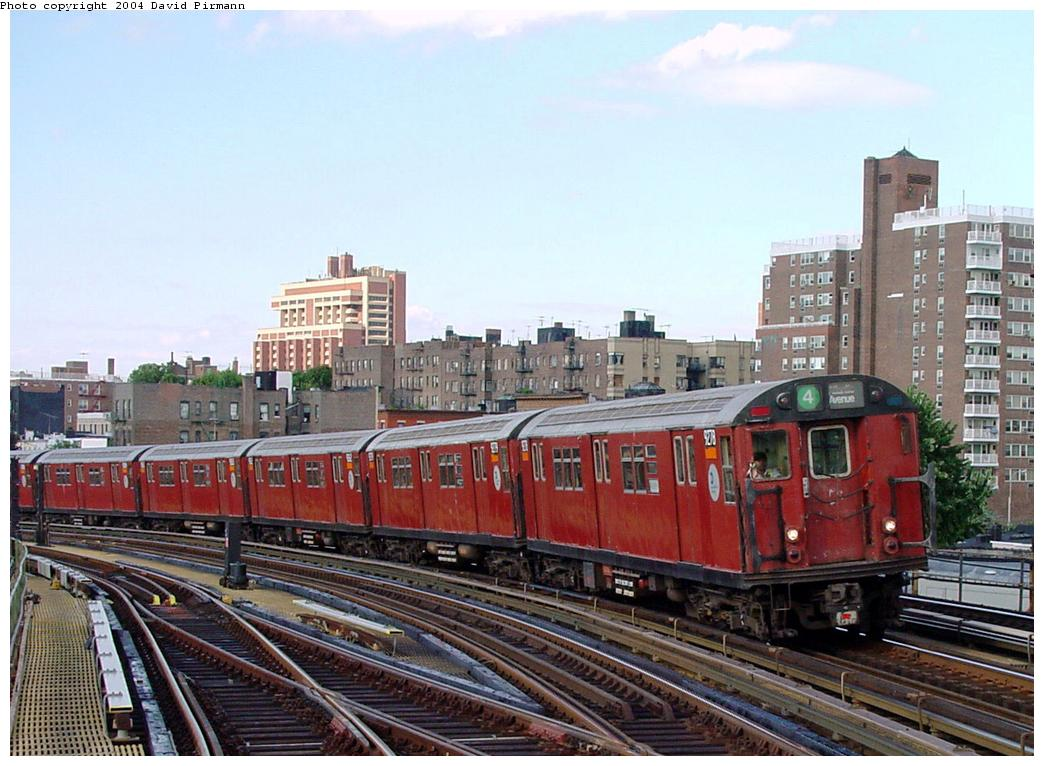 (136k, 1044x766)<br><b>Country:</b> United States<br><b>City:</b> New York<br><b>System:</b> New York City Transit<br><b>Line:</b> IRT Woodlawn Line<br><b>Location:</b> Bedford Park Boulevard <br><b>Route:</b> 4<br><b>Car:</b> R-33 Main Line (St. Louis, 1962-63) 9278 <br><b>Photo by:</b> David Pirmann<br><b>Date:</b> 7/12/2001<br><b>Viewed (this week/total):</b> 3 / 3334