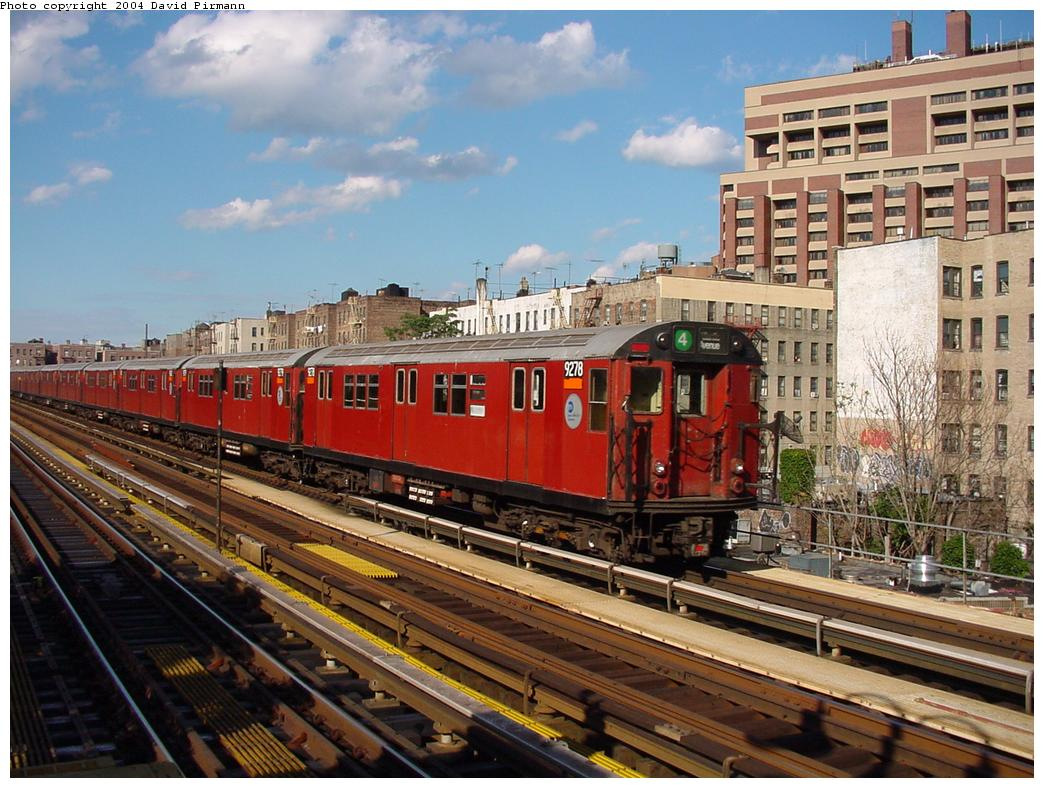 (153k, 1044x788)<br><b>Country:</b> United States<br><b>City:</b> New York<br><b>System:</b> New York City Transit<br><b>Line:</b> IRT Woodlawn Line<br><b>Location:</b> Mosholu Parkway <br><b>Route:</b> 4<br><b>Car:</b> R-33 Main Line (St. Louis, 1962-63) 9278 <br><b>Photo by:</b> David Pirmann<br><b>Date:</b> 7/12/2001<br><b>Viewed (this week/total):</b> 5 / 5195
