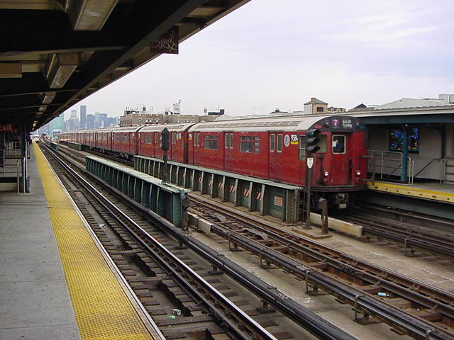 (60k, 640x480)<br><b>Country:</b> United States<br><b>City:</b> New York<br><b>System:</b> New York City Transit<br><b>Line:</b> IRT Flushing Line<br><b>Location:</b> 40th Street/Lowery Street <br><b>Route:</b> 7<br><b>Car:</b> R-36 World's Fair (St. Louis, 1963-64) 9584 <br><b>Photo by:</b> Salaam Allah<br><b>Date:</b> 9/26/2002<br><b>Viewed (this week/total):</b> 3 / 2531