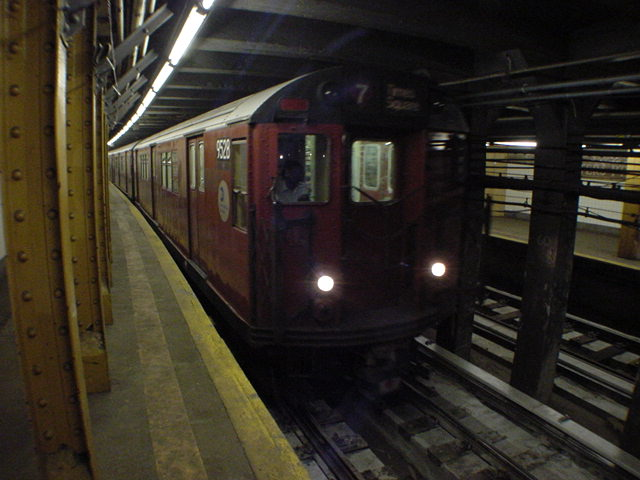 (60k, 640x480)<br><b>Country:</b> United States<br><b>City:</b> New York<br><b>System:</b> New York City Transit<br><b>Line:</b> IRT Flushing Line<br><b>Location:</b> Hunterspoint Avenue <br><b>Route:</b> 7<br><b>Car:</b> R-36 Main Line (St. Louis, 1964) 9528 <br><b>Photo by:</b> Salaam Allah<br><b>Date:</b> 9/19/2002<br><b>Viewed (this week/total):</b> 0 / 6018