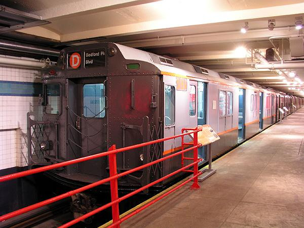 (73k, 600x450)<br><b>Country:</b> United States<br><b>City:</b> New York<br><b>System:</b> New York City Transit<br><b>Location:</b> New York Transit Museum<br><b>Car:</b> R-10 (American Car & Foundry, 1948) 3184 <br><b>Photo by:</b> Trevor Logan<br><b>Date:</b> 5/16/2004<br><b>Viewed (this week/total):</b> 8 / 11298