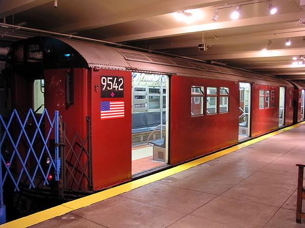 (70k, 600x450)<br><b>Country:</b> United States<br><b>City:</b> New York<br><b>System:</b> New York City Transit<br><b>Location:</b> New York Transit Museum<br><b>Car:</b> R-36 Main Line (St. Louis, 1964) 9542 <br><b>Photo by:</b> Trevor Logan<br><b>Date:</b> 5/16/2004<br><b>Viewed (this week/total):</b> 3 / 9799