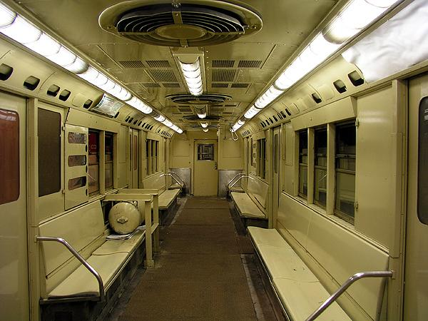 (75k, 600x450)<br><b>Country:</b> United States<br><b>City:</b> New York<br><b>System:</b> New York City Transit<br><b>Location:</b> New York Transit Museum<br><b>Car:</b> R-22 (St. Louis, 1957-58) 37371 <br><b>Photo by:</b> Trevor Logan<br><b>Date:</b> 5/16/2004<br><b>Viewed (this week/total):</b> 6 / 16064
