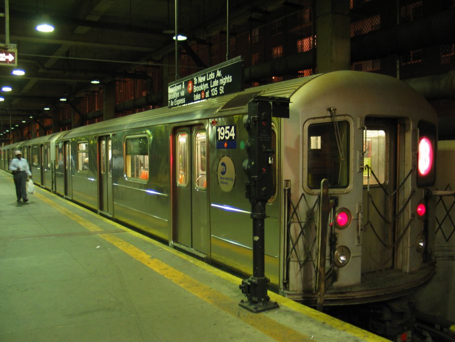 (90k, 909x682)<br><b>Country:</b> United States<br><b>City:</b> New York<br><b>System:</b> New York City Transit<br><b>Line:</b> IRT Lenox Line<br><b>Location:</b> 148th Street/Lenox Terminal <br><b>Car:</b> R-62A (Bombardier, 1984-1987)  1954 <br><b>Photo by:</b> Brian Weinberg<br><b>Date:</b> 5/17/2004<br><b>Viewed (this week/total):</b> 7 / 5218