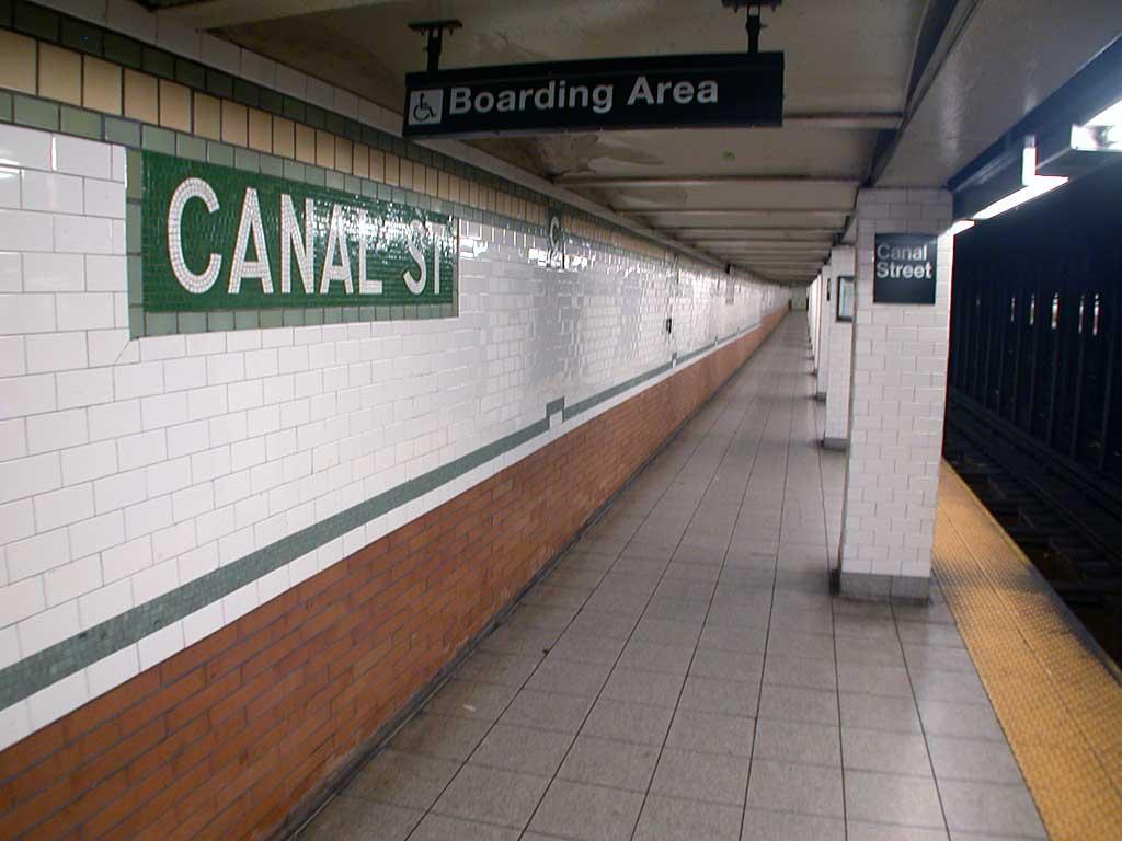 (64k, 1024x768)<br><b>Country:</b> United States<br><b>City:</b> New York<br><b>System:</b> New York City Transit<br><b>Line:</b> IRT East Side Line<br><b>Location:</b> Canal Street <br><b>Photo by:</b> Josh Lubchansky<br><b>Date:</b> 5/2004<br><b>Notes:</b> Platform view<br><b>Viewed (this week/total):</b> 2 / 4324