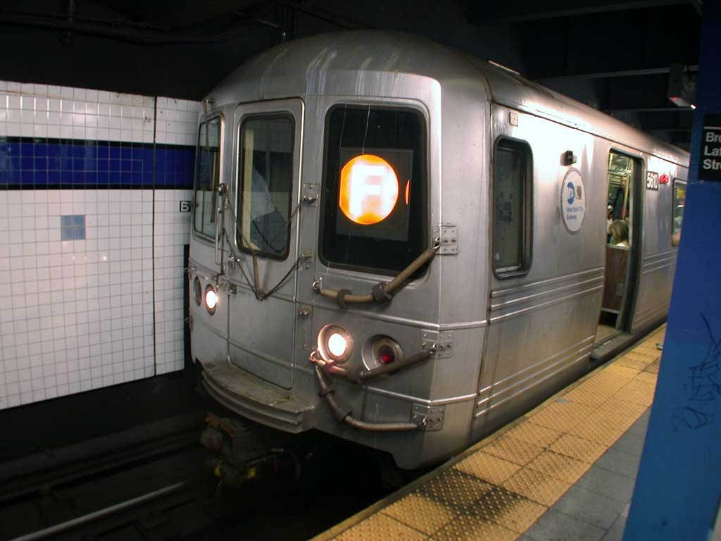 (58k, 1024x768)<br><b>Country:</b> United States<br><b>City:</b> New York<br><b>System:</b> New York City Transit<br><b>Line:</b> IND 6th Avenue Line<br><b>Location:</b> Broadway/Lafayette <br><b>Route:</b> F<br><b>Car:</b> R-46 (Pullman-Standard, 1974-75) 5610 <br><b>Photo by:</b> Josh Lubchansky<br><b>Date:</b> 5/2004<br><b>Viewed (this week/total):</b> 2 / 4380