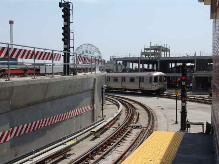 (75k, 768x576)<br><b>Country:</b> United States<br><b>City:</b> New York<br><b>System:</b> New York City Transit<br><b>Location:</b> Coney Island/Stillwell Avenue<br><b>Route:</b> F<br><b>Car:</b> R-46 (Pullman-Standard, 1974-75)  <br><b>Photo by:</b> Richard Panse<br><b>Date:</b> 5/23/2004<br><b>Viewed (this week/total):</b> 0 / 5054