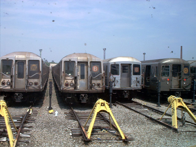 (93k, 640x480)<br><b>Country:</b> United States<br><b>City:</b> New York<br><b>System:</b> New York City Transit<br><b>Location:</b> Coney Island Yard<br><b>Car:</b> R-40 (St. Louis, 1968)   <br><b>Photo by:</b> Tony Mirabella<br><b>Date:</b> 5/23/2004<br><b>Viewed (this week/total):</b> 0 / 4218