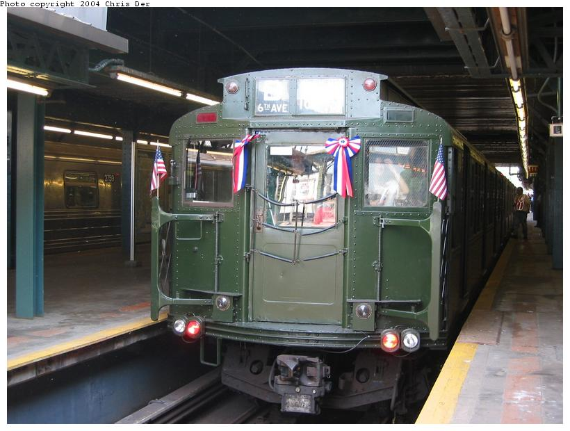 (75k, 820x620)<br><b>Country:</b> United States<br><b>City:</b> New York<br><b>System:</b> New York City Transit<br><b>Line:</b> BMT West End Line<br><b>Location:</b> 9th Avenue <br><b>Route:</b> Fan Trip<br><b>Car:</b> R-4 (American Car & Foundry, 1932-1933) 484 <br><b>Photo by:</b> Chris Der<br><b>Date:</b> 5/23/2004<br><b>Viewed (this week/total):</b> 1 / 2677