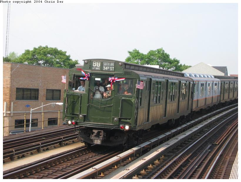 (81k, 820x620)<br><b>Country:</b> United States<br><b>City:</b> New York<br><b>System:</b> New York City Transit<br><b>Line:</b> BMT Astoria Line<br><b>Location:</b> Astoria Boulevard/Hoyt Avenue <br><b>Route:</b> Fan Trip<br><b>Car:</b> R-1 (American Car & Foundry, 1930-1931) 100 <br><b>Photo by:</b> Chris Der<br><b>Date:</b> 5/23/2004<br><b>Viewed (this week/total):</b> 2 / 2742