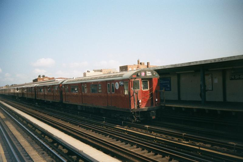 (66k, 800x533)<br><b>Country:</b> United States<br><b>City:</b> New York<br><b>System:</b> New York City Transit<br><b>Line:</b> IRT Flushing Line<br><b>Location:</b> 74th Street/Broadway <br><b>Route:</b> 7<br><b>Car:</b> R-36 World's Fair (St. Louis, 1963-64) 9346 <br><b>Photo by:</b> Robert Marrero<br><b>Date:</b> 10/2001<br><b>Viewed (this week/total):</b> 3 / 2069