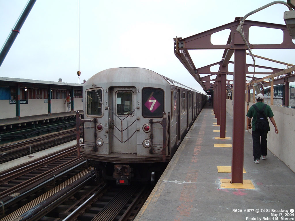 (154k, 1024x768)<br><b>Country:</b> United States<br><b>City:</b> New York<br><b>System:</b> New York City Transit<br><b>Line:</b> IRT Flushing Line<br><b>Location:</b> 74th Street/Broadway <br><b>Route:</b> 7<br><b>Car:</b> R-62A (Bombardier, 1984-1987)  1977 <br><b>Photo by:</b> Robert Marrero<br><b>Date:</b> 5/17/2004<br><b>Viewed (this week/total):</b> 0 / 5845