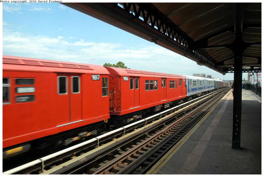 (150k, 1044x701)<br><b>Country:</b> United States<br><b>City:</b> New York<br><b>System:</b> New York City Transit<br><b>Line:</b> BMT Astoria Line<br><b>Location:</b> Broadway <br><b>Route:</b> Fan Trip<br><b>Car:</b> R-33 Main Line (St. Louis, 1962-63) 9016 <br><b>Photo by:</b> David Pirmann<br><b>Date:</b> 6/19/2004<br><b>Viewed (this week/total):</b> 3 / 2219