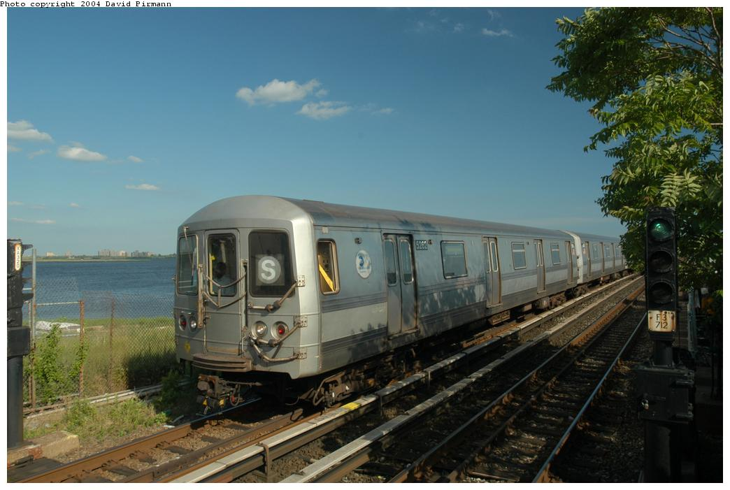 (152k, 1044x701)<br><b>Country:</b> United States<br><b>City:</b> New York<br><b>System:</b> New York City Transit<br><b>Line:</b> IND Rockaway<br><b>Location:</b> Broad Channel <br><b>Route:</b> S<br><b>Car:</b> R-44 (St. Louis, 1971-73) 5262 <br><b>Photo by:</b> David Pirmann<br><b>Date:</b> 6/19/2004<br><b>Viewed (this week/total):</b> 0 / 3203
