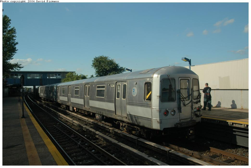 (120k, 1044x701)<br><b>Country:</b> United States<br><b>City:</b> New York<br><b>System:</b> New York City Transit<br><b>Line:</b> IND Rockaway<br><b>Location:</b> Broad Channel <br><b>Route:</b> S<br><b>Car:</b> R-44 (St. Louis, 1971-73) 5336 <br><b>Photo by:</b> David Pirmann<br><b>Date:</b> 6/19/2004<br><b>Viewed (this week/total):</b> 3 / 2289