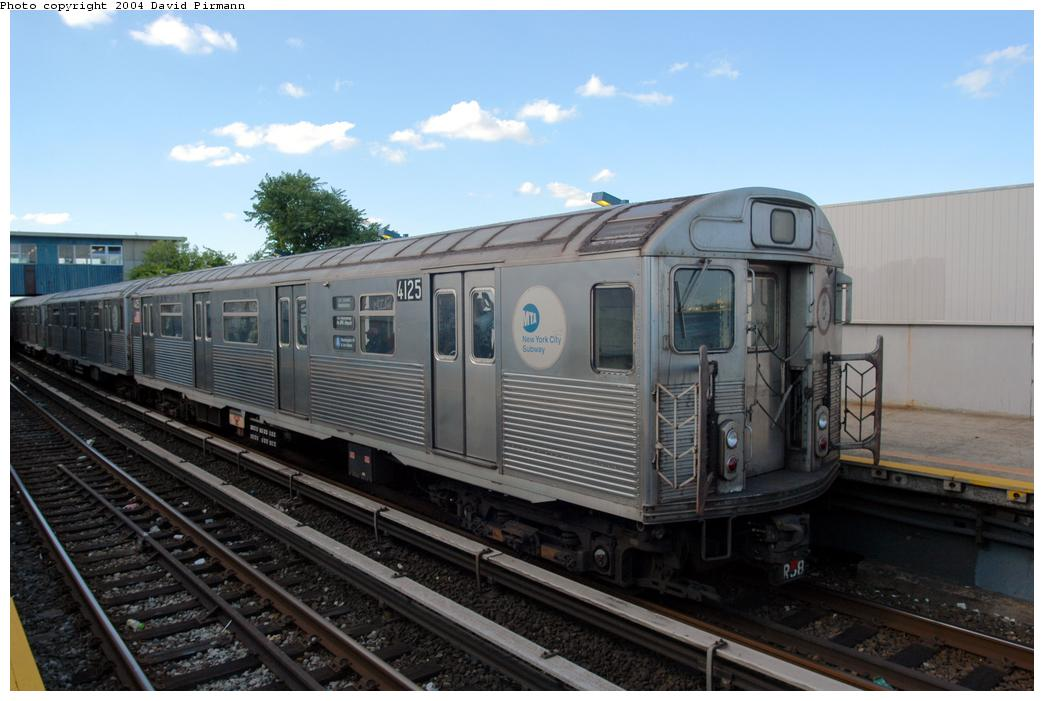 (144k, 1044x701)<br><b>Country:</b> United States<br><b>City:</b> New York<br><b>System:</b> New York City Transit<br><b>Line:</b> IND Rockaway<br><b>Location:</b> Broad Channel <br><b>Route:</b> A<br><b>Car:</b> R-38 (St. Louis, 1966-1967)  4125 <br><b>Photo by:</b> David Pirmann<br><b>Date:</b> 6/19/2004<br><b>Viewed (this week/total):</b> 9 / 2360