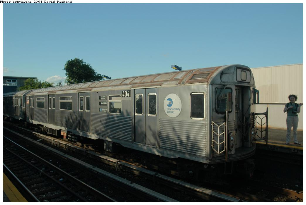 (117k, 1044x701)<br><b>Country:</b> United States<br><b>City:</b> New York<br><b>System:</b> New York City Transit<br><b>Line:</b> IND Rockaway<br><b>Location:</b> Broad Channel <br><b>Route:</b> A<br><b>Car:</b> R-38 (St. Louis, 1966-1967)  4041 <br><b>Photo by:</b> David Pirmann<br><b>Date:</b> 6/19/2004<br><b>Viewed (this week/total):</b> 1 / 2306