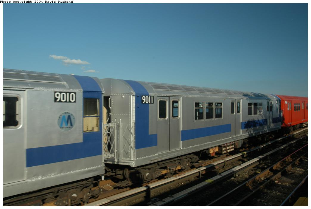 (116k, 1044x701)<br><b>Country:</b> United States<br><b>City:</b> New York<br><b>System:</b> New York City Transit<br><b>Line:</b> IND Rockaway<br><b>Location:</b> Broad Channel <br><b>Route:</b> Fan Trip<br><b>Car:</b> R-33 Main Line (St. Louis, 1962-63) 9011 <br><b>Photo by:</b> David Pirmann<br><b>Date:</b> 6/19/2004<br><b>Viewed (this week/total):</b> 1 / 1612
