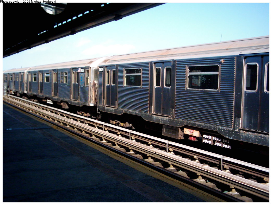 (190k, 1044x788)<br><b>Country:</b> United States<br><b>City:</b> New York<br><b>System:</b> New York City Transit<br><b>Line:</b> BMT Culver Line<br><b>Location:</b> Avenue X <br><b>Route:</b> F<br><b>Car:</b> R-32 (Budd, 1964)  3634 <br><b>Photo by:</b> Michael Hodurski<br><b>Date:</b> 9/2005<br><b>Viewed (this week/total):</b> 3 / 2481