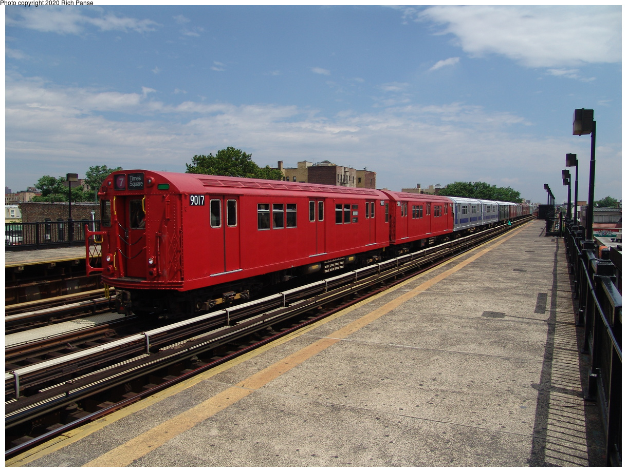 (103k, 820x620)<br><b>Country:</b> United States<br><b>City:</b> New York<br><b>System:</b> New York City Transit<br><b>Line:</b> BMT Astoria Line<br><b>Location:</b> 36th/Washington Aves. <br><b>Route:</b> Fan Trip<br><b>Car:</b> R-33 Main Line (St. Louis, 1962-63) 9017 <br><b>Photo by:</b> Richard Panse<br><b>Date:</b> 6/19/2004<br><b>Viewed (this week/total):</b> 3 / 1924