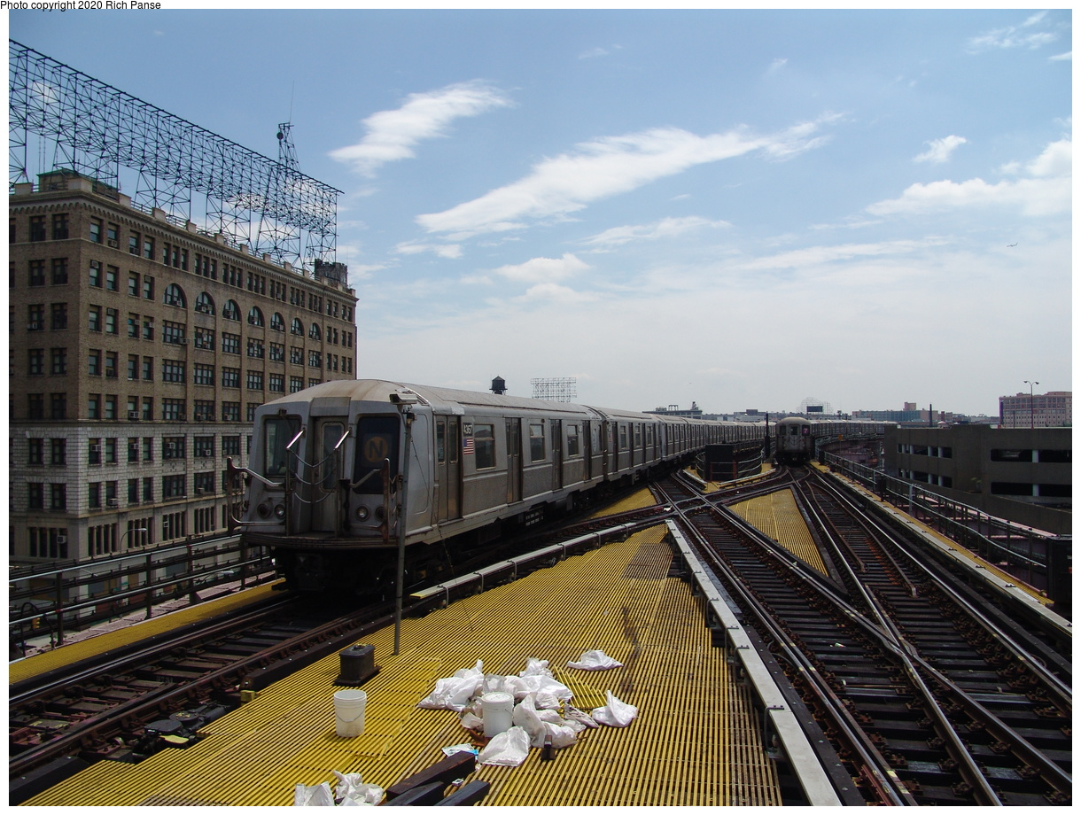 (109k, 820x620)<br><b>Country:</b> United States<br><b>City:</b> New York<br><b>System:</b> New York City Transit<br><b>Line:</b> BMT Astoria Line<br><b>Location:</b> Queensborough Plaza <br><b>Route:</b> N<br><b>Car:</b> R-40 (St. Louis, 1968)  4367 <br><b>Photo by:</b> Richard Panse<br><b>Date:</b> 6/19/2004<br><b>Viewed (this week/total):</b> 1 / 4702