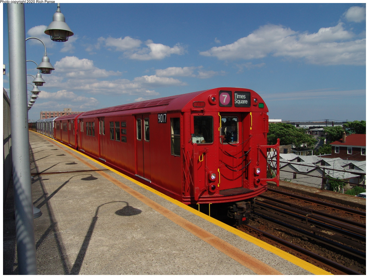 (94k, 820x620)<br><b>Country:</b> United States<br><b>City:</b> New York<br><b>System:</b> New York City Transit<br><b>Line:</b> IND Rockaway<br><b>Location:</b> Beach 98th Street/Playland <br><b>Route:</b> Fan Trip<br><b>Car:</b> R-33 Main Line (St. Louis, 1962-63) 9017 <br><b>Photo by:</b> Richard Panse<br><b>Date:</b> 6/19/2004<br><b>Viewed (this week/total):</b> 0 / 5978