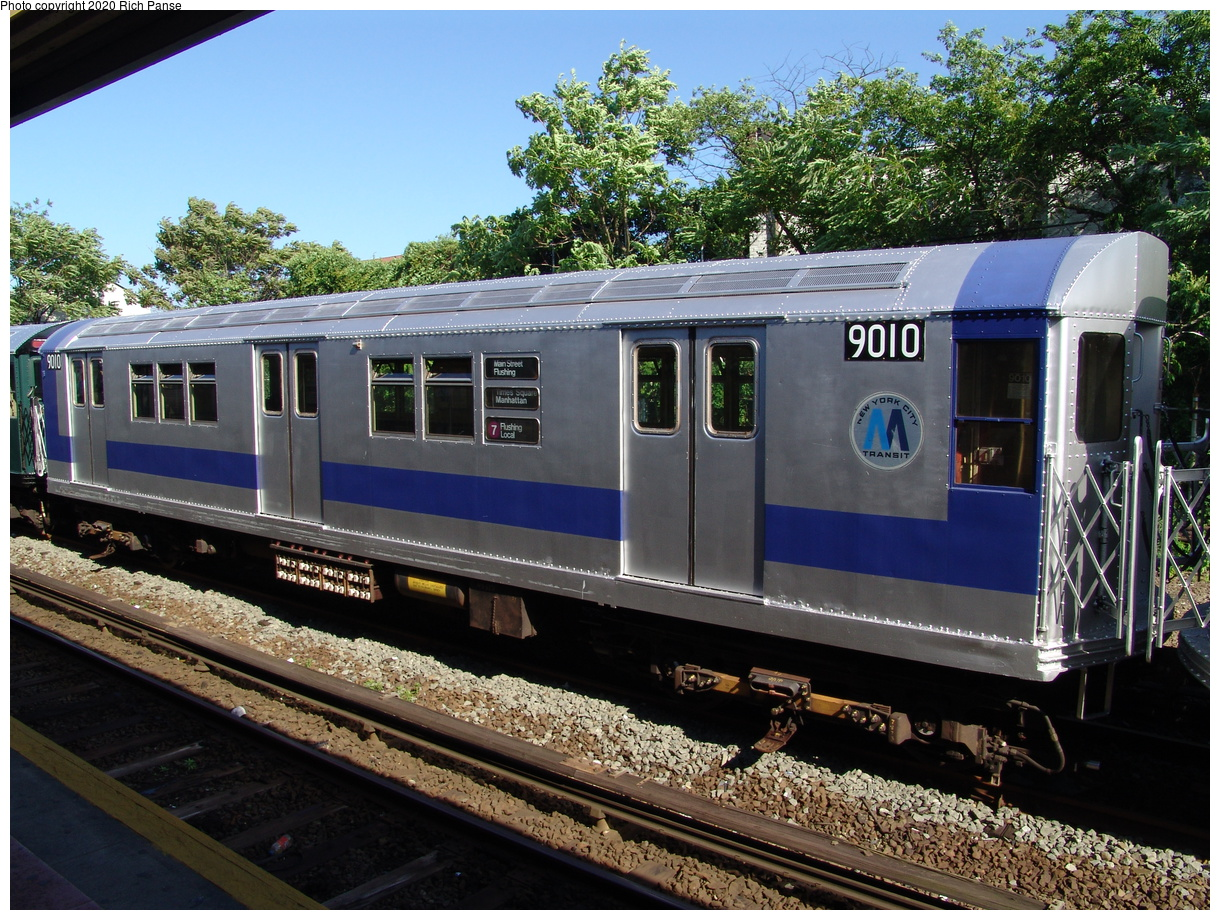 (125k, 820x620)<br><b>Country:</b> United States<br><b>City:</b> New York<br><b>System:</b> New York City Transit<br><b>Line:</b> IND Rockaway<br><b>Location:</b> Rockaway Park/Beach 116th Street <br><b>Route:</b> Fan Trip<br><b>Car:</b> R-33 Main Line (St. Louis, 1962-63) 9010 <br><b>Photo by:</b> Richard Panse<br><b>Date:</b> 6/19/2004<br><b>Viewed (this week/total):</b> 1 / 2298