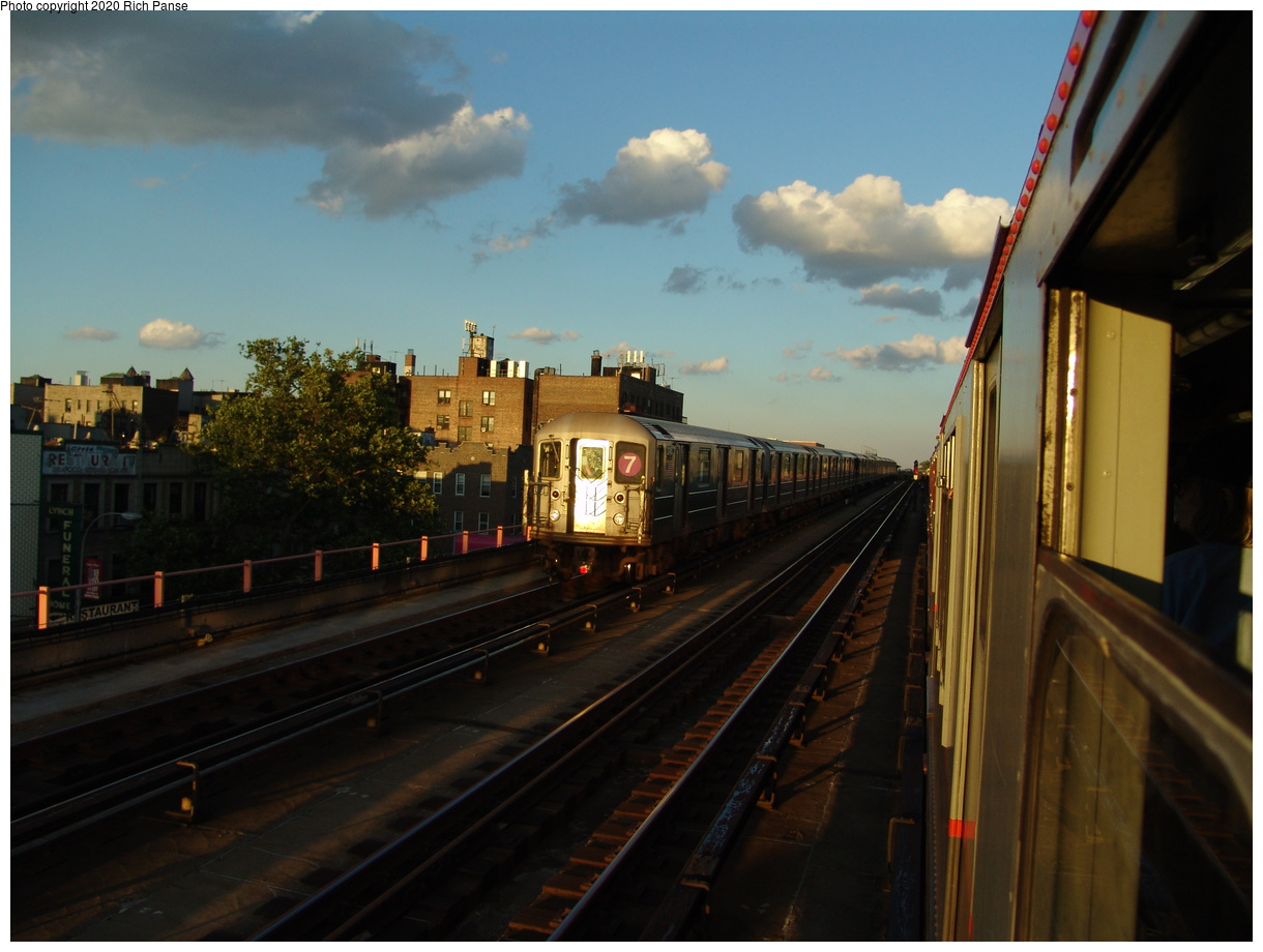 (73k, 820x620)<br><b>Country:</b> United States<br><b>City:</b> New York<br><b>System:</b> New York City Transit<br><b>Location:</b> Between 40th and 46th/Flushing Line<br><b>Route:</b> 7<br><b>Car:</b> R-62A (Bombardier, 1984-1987)  2145 <br><b>Photo by:</b> Richard Panse<br><b>Date:</b> 6/19/2004<br><b>Viewed (this week/total):</b> 2 / 1947